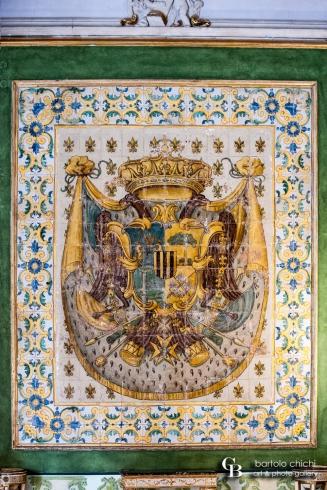Stemma della famiglia Alliata, Principi di Villafranca. Maioliche napoletane della seconda metà del XVIII secolo